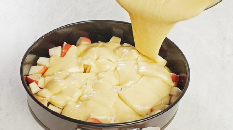тесто, пирог, форма для выпечки