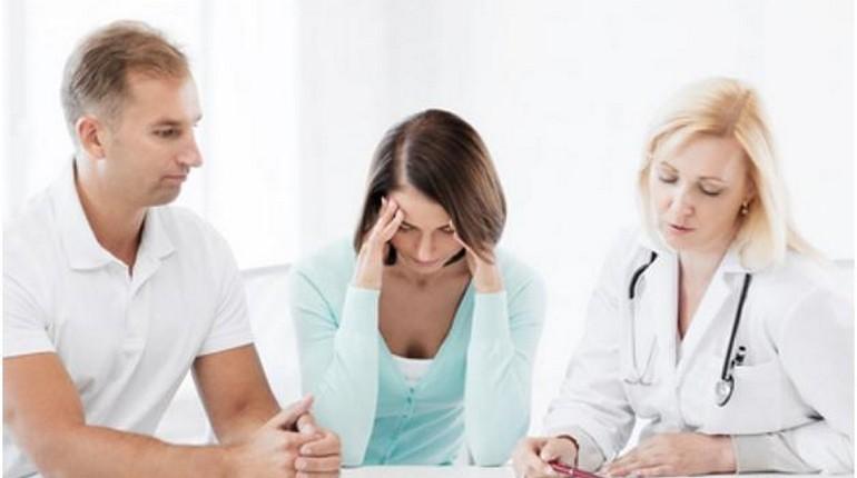 На приёме у врача, консультация перед ЭКО