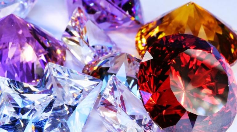Драгоценные камни, украшения