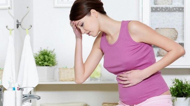 беременная девушка, проблемы со здоровьем, у девушки болит живот