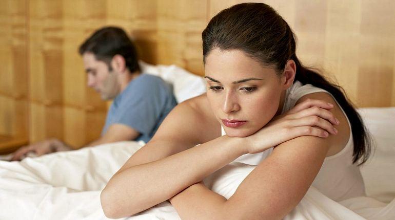 девушка и парень, отношения в паре, разногласия в семье
