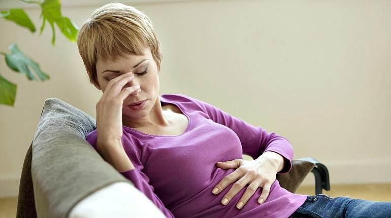 беременная женщина, плохое самочувствие, болит голова