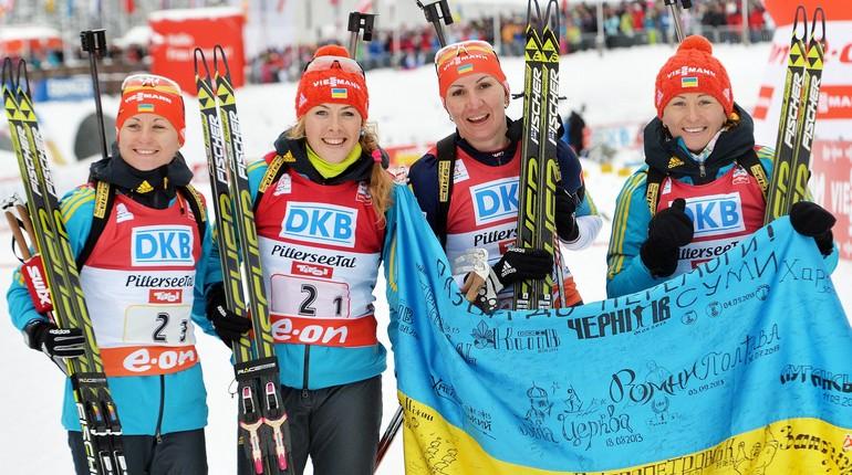 украинские лыжницы после соревнований, девушки победили в соревнованиях по лыжному спорту