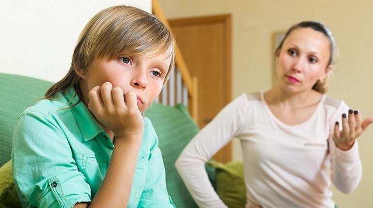 Подросток с мамой, разногласия с родителями