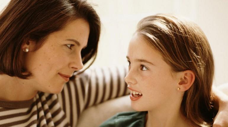 общение мамы и дочери, опека над ребенком