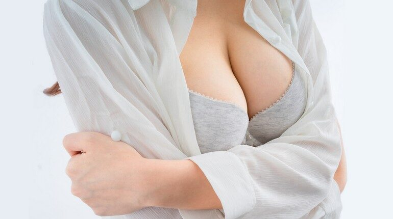 женская грудь, решится на маммопластику