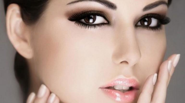 макияж лица, девушка с макияжем, деловой макияж