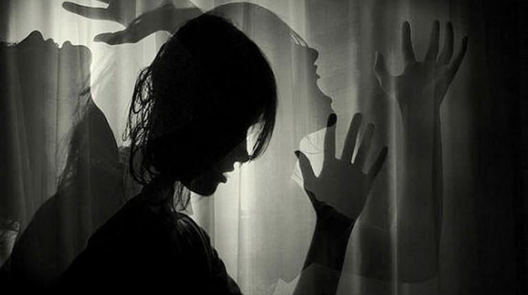 страдания, девушка страдает, силуэт девушки в отчаянии