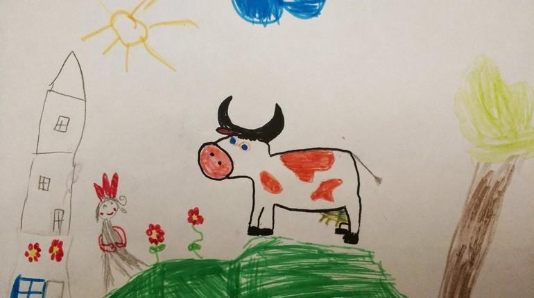 детский рисунок, нарисованная корова