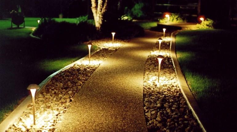 садовые фонари, освещение садового участка