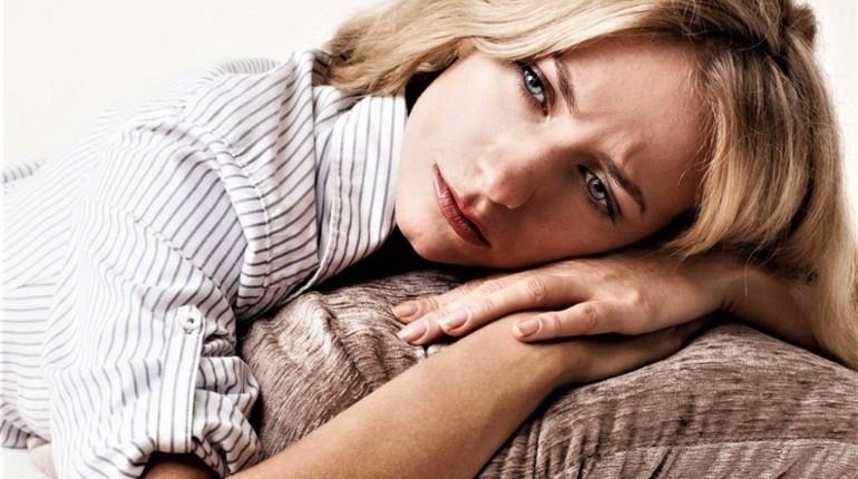 женщине себя жалко, грусть и тоска