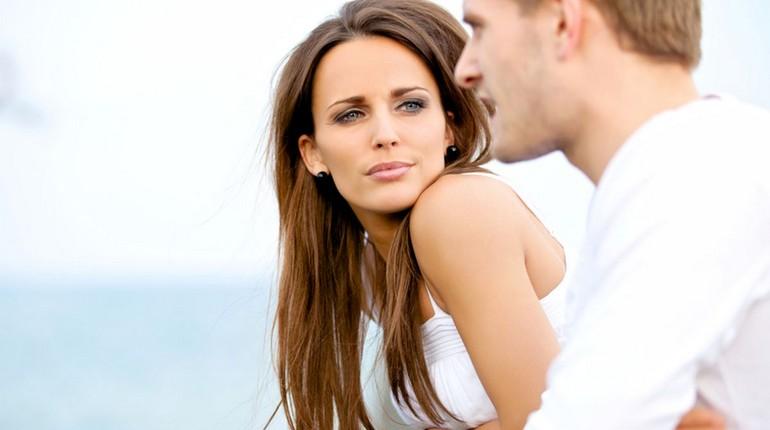 пара выясняет отношения, парень с девушкой, серьезный разговор