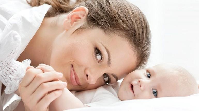 ребенок с мамой, младенец и его мама