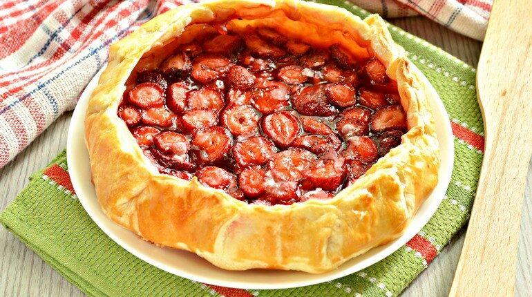 пирог с ягодами,ягодный открытый пирог