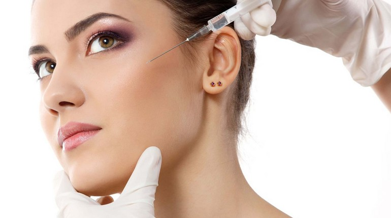 девушка у косметолога, инъекции красоты