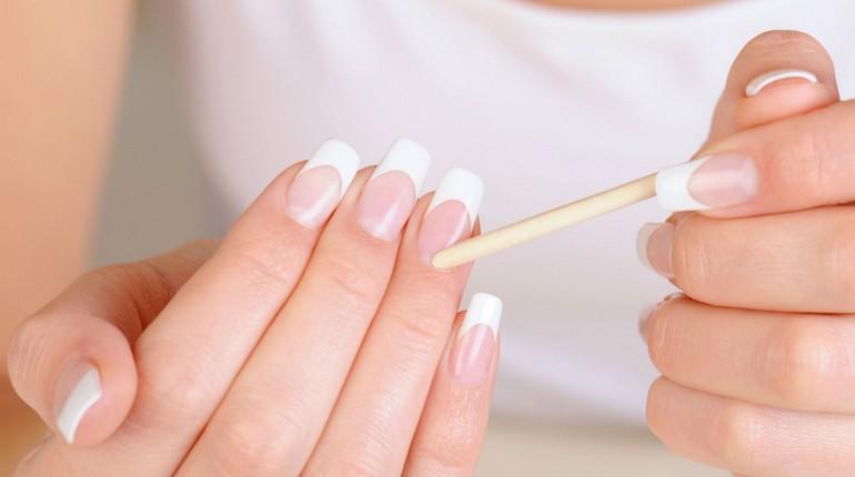 красивые ногти с маникюром, французский маникюр