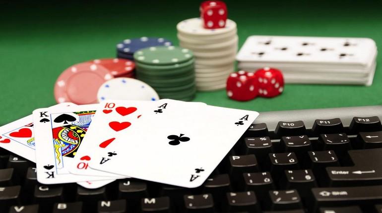карты фишки в казино, игра в казино