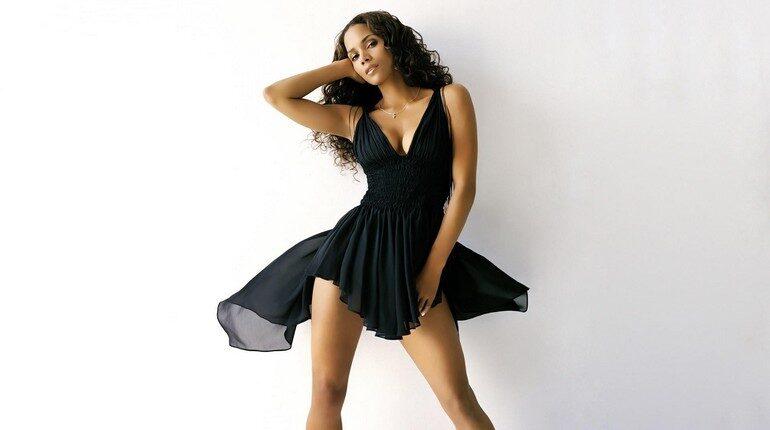 маленькое черное платье, девушка в черном