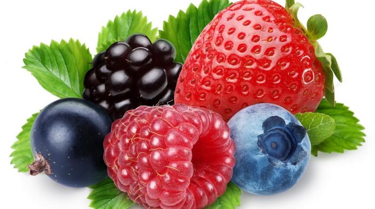ягоды, клубника малина ежевика голубика и смородина