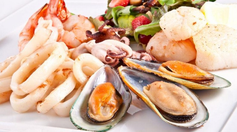 морепродукты, устрицы и другие дары моря