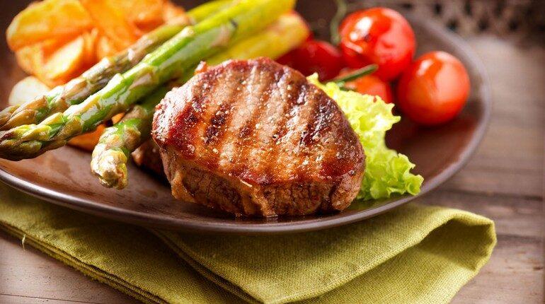 мясо и овощи, правильное питание, полноценный обед