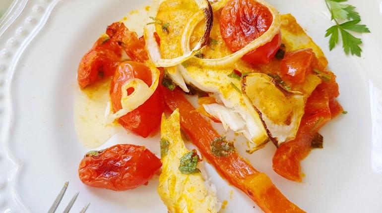 рыба тушенная с овощами, рыба и овощи, полноценный ужин
