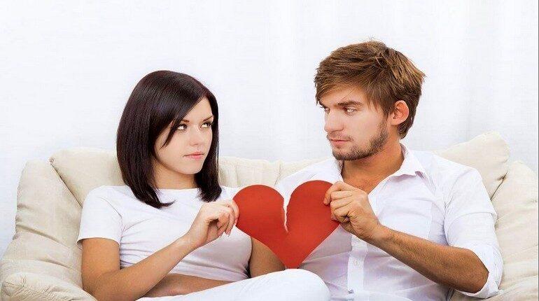 прошла любовь, парень и девушка расстаются, разрыв отношений
