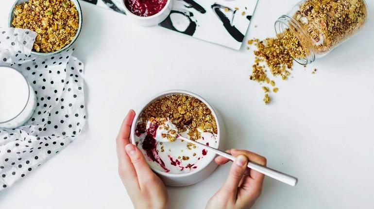 продукты для укрепления костей, полезный завтрак