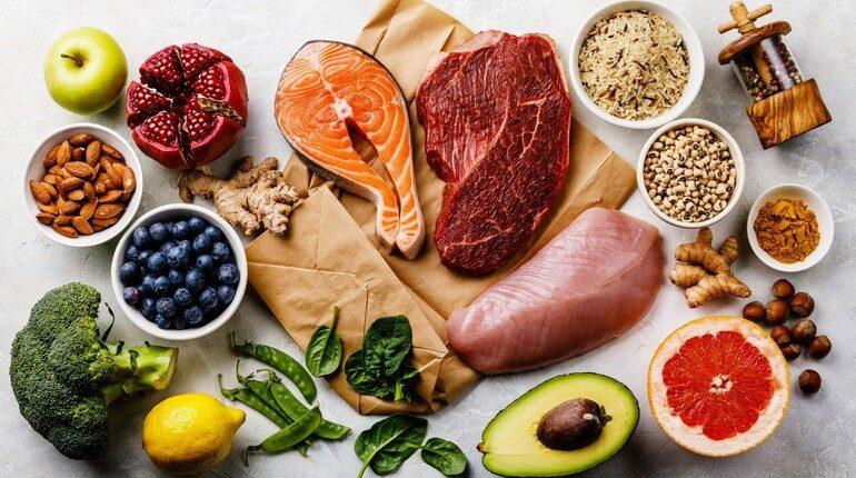 разнообразные продукты, сбалансированное питание, продукты для спортивного питания