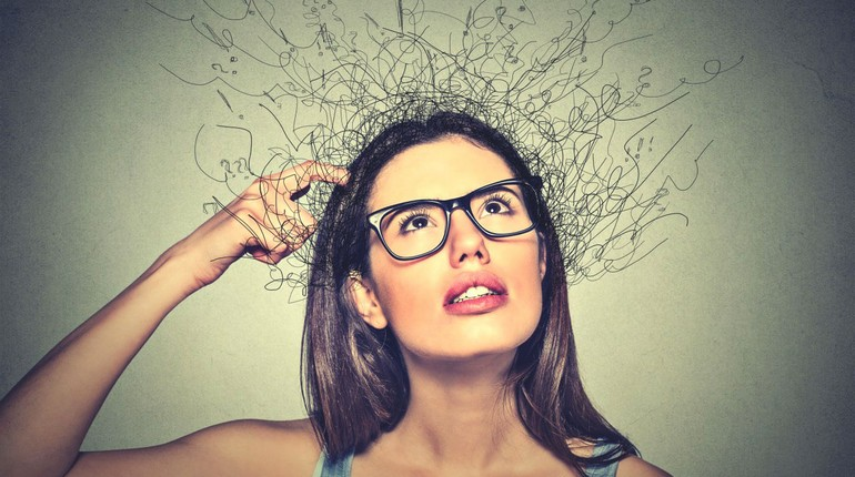 девушка в плену своих мыслей, невротическая личность